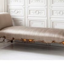 Chaise Longue – Silk Upholstered Fabric – French Gilt Finish