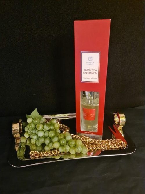 Black Tea & Cardamon Reed Diffuser - Shaped Glass Bottle - 300ml