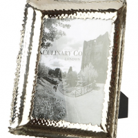 "6"" x 8"" Photo Frame - Chrome Plated Scallop Edged Photo Frame"