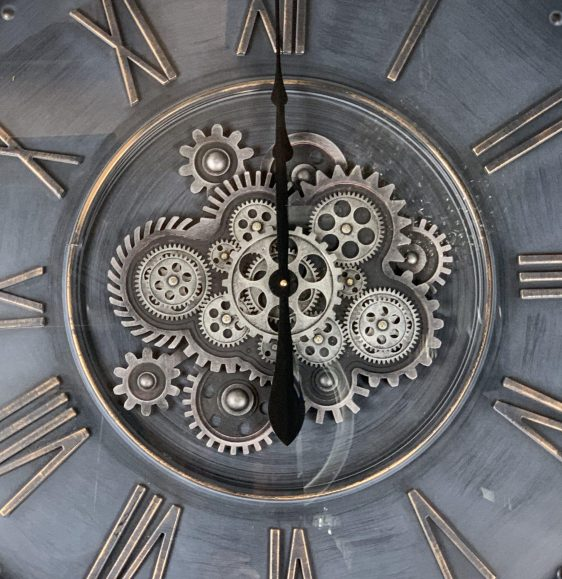 Wall Clock - Large Round Central Moving Cogs - Champagne Silver Finish