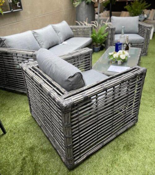 Luxury Garden Sofa Set - 5 Piece - Grey Cushions - Grey Poly Rattan