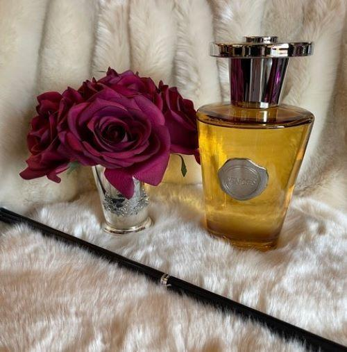 'Vanilla Musk' Reed Diffuser - Shaped Glass Bottle - 1000ml